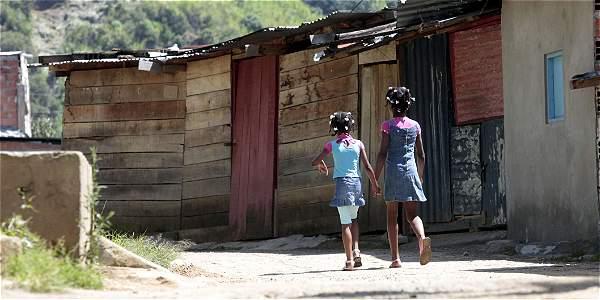 Los ingresos de los latinoamericanos dejaron de crecer como años antes, y muchos no alcanzaron a superar la pobreza.