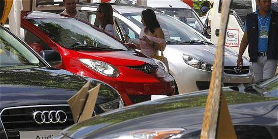 Matrículas de carros se desaceleraron en enero