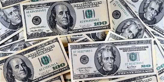 Dólar registra subida de $ 47 en la primera jormada de la semana