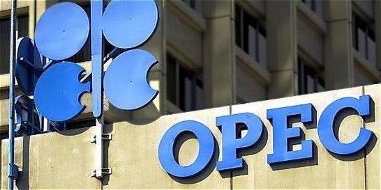 Petróleo sube, pero pérdidas de la semana estarán entre 7 y 11 %