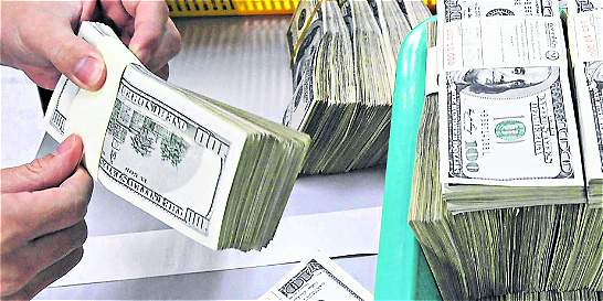 Dólar se negoció en promedio a 3.000 pesos hoy, $ 36 más caro que ayer