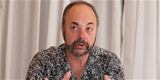 'Los impresos perdurarán pese al auge de lo digital': Ken Doctor