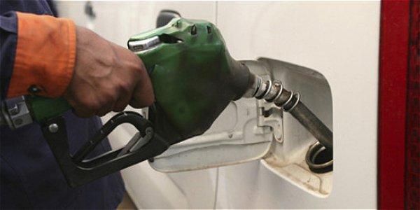La caída en los precios internacionales del petróleo lleva a la disminución en los precios de los combustibles.