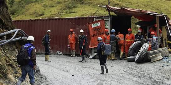 Trabajadores del túnel de La Línea amenazan con paro