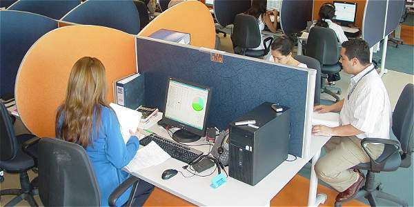 Servicios de centro de contacto se pueden ofrecer en la tienda virtual.