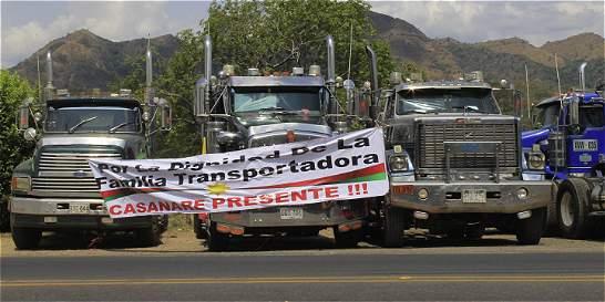 Camioneros en paro no aceptan propuestas del Gobierno