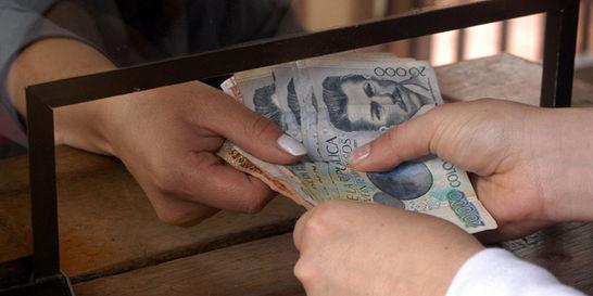 Banqueros, en alerta por baja en el ritmo de la economía
