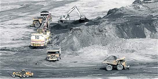 Suspensión nocturna golpea la producción de carbón en Colombia