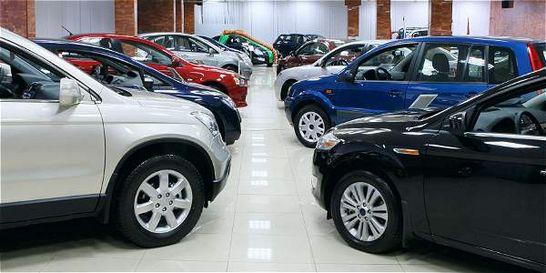 Ventas de carros siguen en terreno negativo