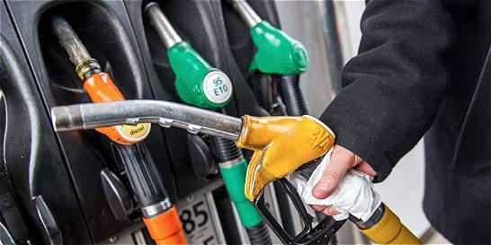 El dólar caro frustró mayor caída en los precios de la gasolina