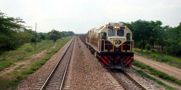 En vilo, transporte nocturno por vía férrea del carbón