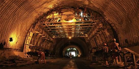 Suspendidas las obras del Túnel de La Línea durante 10 días