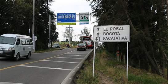Invías firma contratación para modernizar vía Facatativá-El Rosal