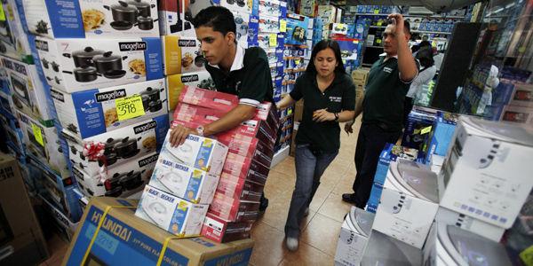 Las compañías buscan incrementar su producción para surtir la demanda de artículos.