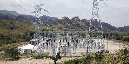'Persiste riesgo de desabastecimiento de energía': Contraloría