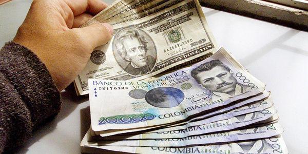 El dólar retomó su carrera alcista. La tasa de cambio muestra un aumento de 120 pesos hasta los 3.270 por dólar, un ascenso de casi el 4 por ciento en una semana.
