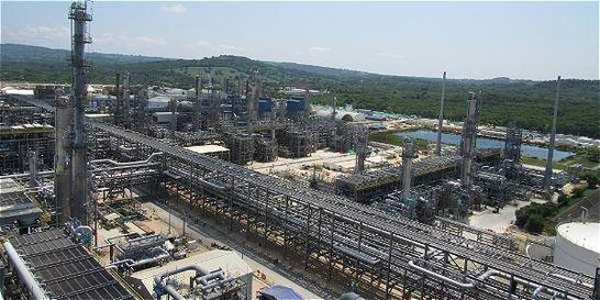 La USO bloquea Refinería de Cartagena