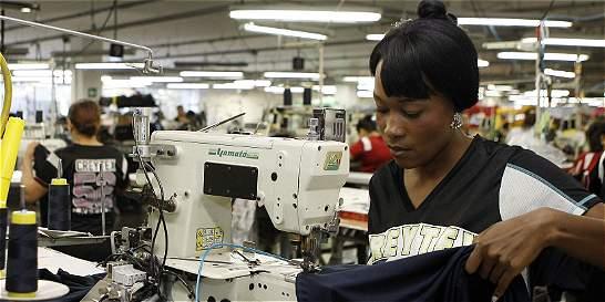 Devaluación no frena inversión textil en el país