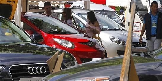 Ventas de carros comenzaron el 2016 con el freno puesto