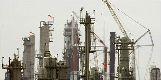 Corte frena a petroleras por falta de consulta a comunidad indígena