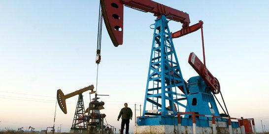 Petroleras en EE. UU. tendrán impuesto de 10 dólares por barril