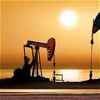 Precio de petróleo inicia semana a la baja