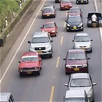 Sin reversa, la tabla de  los impuestos a vehículos