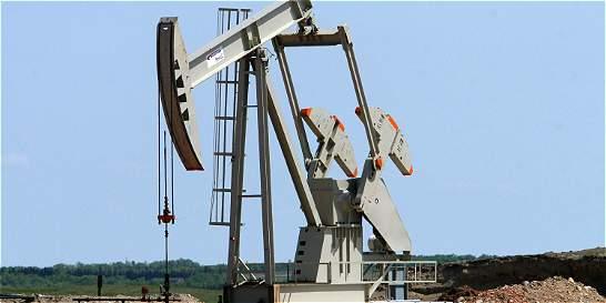 Cuatro países petroleros acuerdan congelar la producción