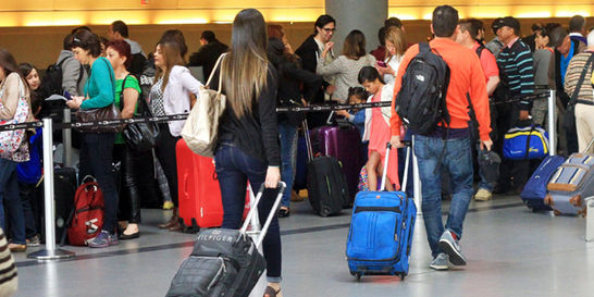 Pasajeros que toman avión se incrementaron en un 10.2 %