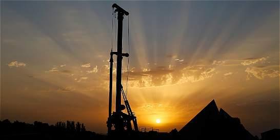 Tras años de bonanza, a petroleras les llegó el turno de las pérdidas