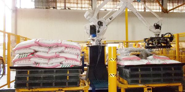 Los robots que mueven el azúcar en Buenaventura