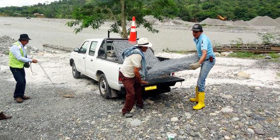 Los 25 gaviones que salvarán de la inundación a vereda en Villavo