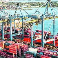 Cede el déficit comercial y caen las importaciones