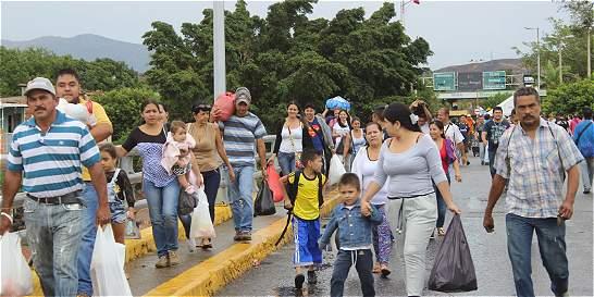 Un día con los venezolanos que cruzaron la frontera para abastecerse