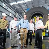 Inauguran planta para reciclar llantas usadas que se usarán en vías