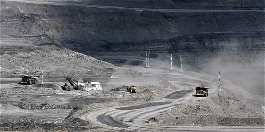Empresarios temen efectos en industria por consulta minera