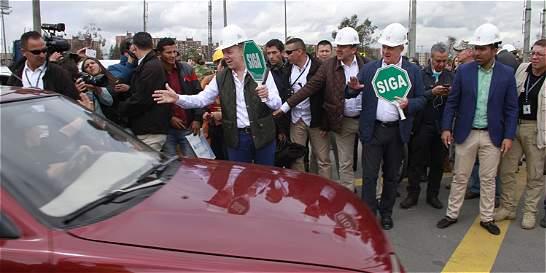Ya ruedan 12.000 carros por la doble calzada Bogotá-Villeta