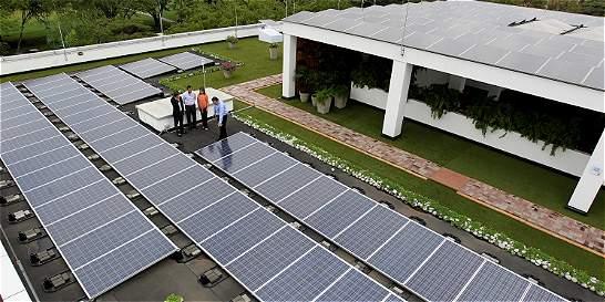 Hay 2.000 megavatios en energías limpias esperando ingresar al país