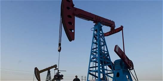 Cae producción de petróleo y de gas