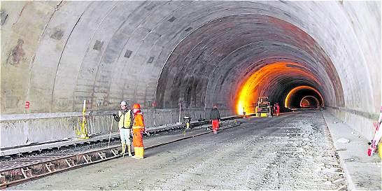 Obras del túnel de La Línea no estarían listas ni en un año