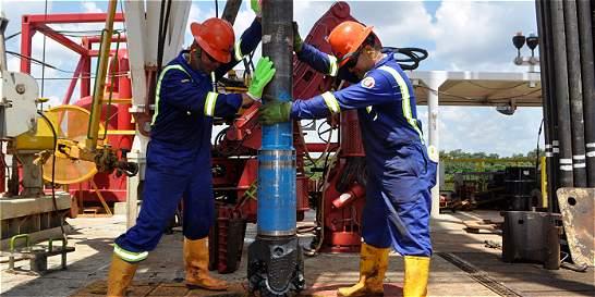 Tras caída de 60 % en inversión, las petroleras prevén mejoría en 2017
