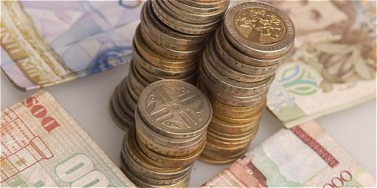 Ministra del Trabajo intenta salvar la concertación del salario mínimo