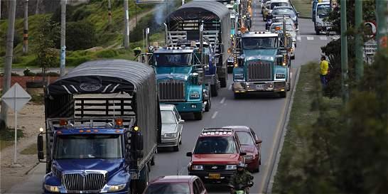 Gobierno mantiene diálogo abierto con camioneros