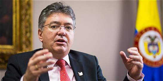 'Veo viable superar crecimiento del 2,5 por ciento': Mauricio Cárdenas