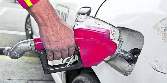 Sigue la puja entre regiones con Gobierno por sobretasa a la gasolina