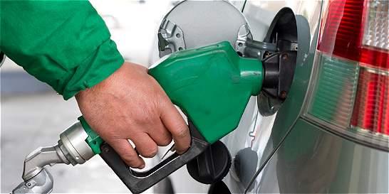 Base de sobretasa a gasolina vuelve a subir, tras reclamo de alcaldes