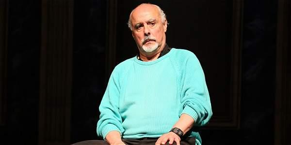 'El teatro siempre está en crisis'