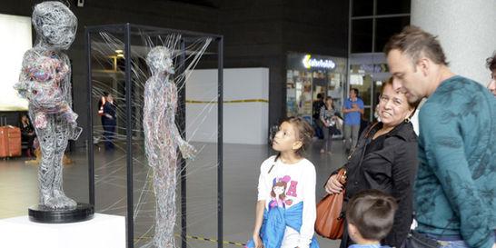 En el aeropuerto El Dorado, el arte y los residuos se unen