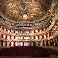 La historia del teatro Colón recorriéndolo