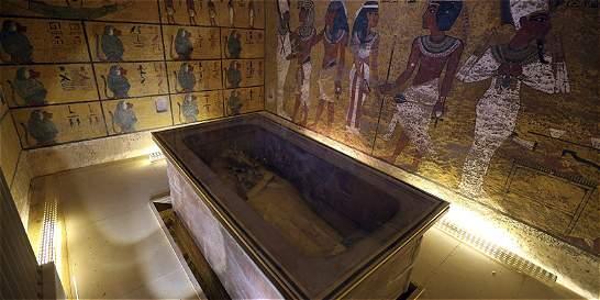 Revelan dos posibles cámaras ocultas en tumba de Tutankamón